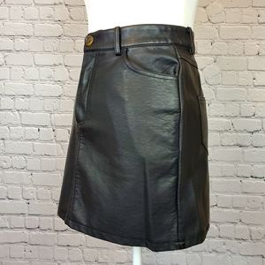Forever 21 faux leather mini skirt sz. Small NWOT